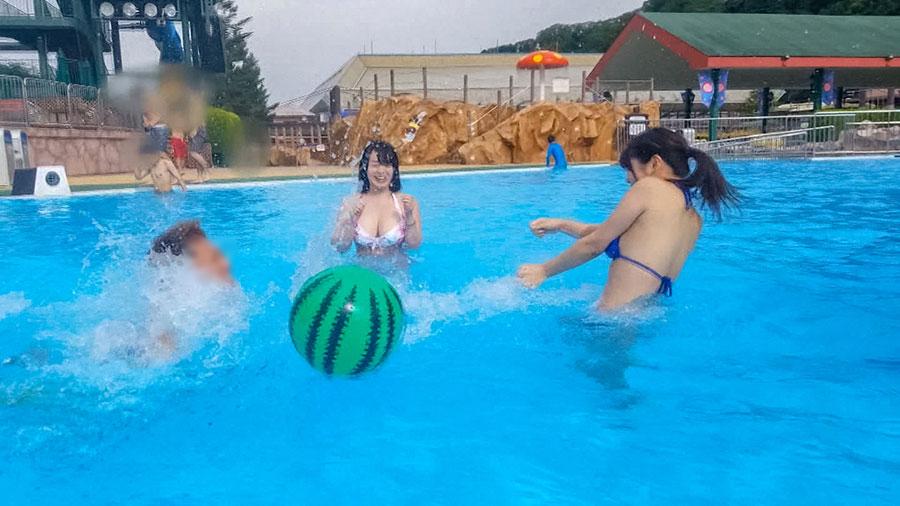 【リア充水着女子・プールナンパ!】浮かれた美巨乳JDたちと猛暑を吹き飛ばす大量潮吹き&猛烈4P乱交SEX!
