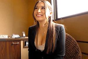 【素人】仕事のストレスはSEXで発散!巨乳な美人OLと着衣のまま濃厚ハメ撮り