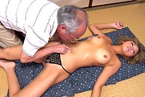 橘咲良「ピチピチギャルはやっぱええのう〜」ジジイが黒ギャルに一目惚れして中出し!