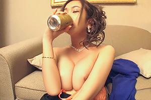 「飲むとHしたい!」人気No.1巨乳キャバ嬢がノリでAVデビュー