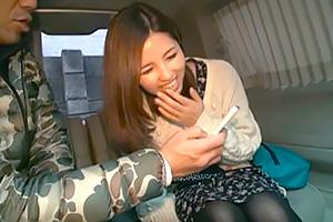 【素人】美尻でフェラが上手い受付嬢をナンパで連れ込んでカーセックス!