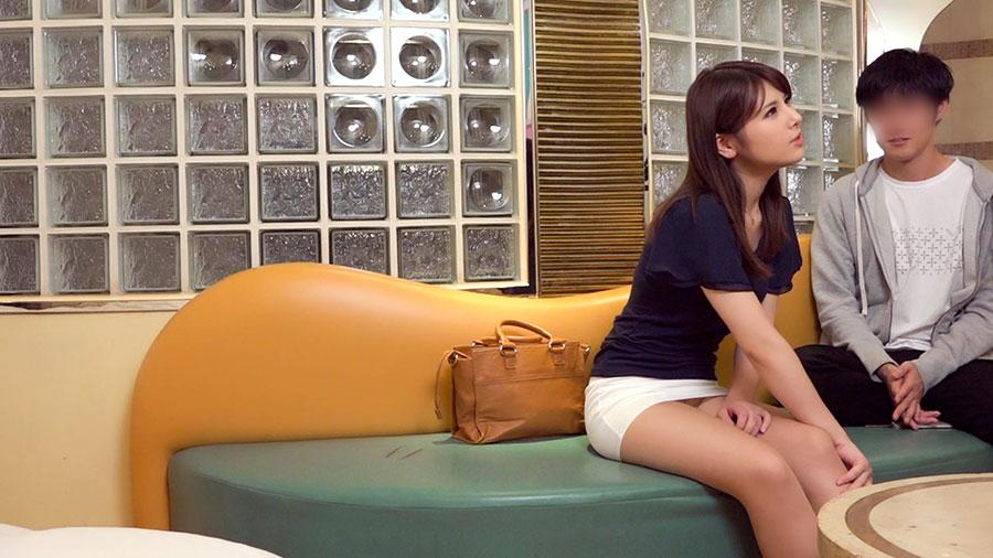 あさみ(推定30歳/パート主婦)×バイト男子:禁断の関係 05
