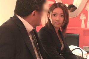 【禁断の関係】お酒の勢いで会社上司と不倫した独身美人OL(22)のSEX動画