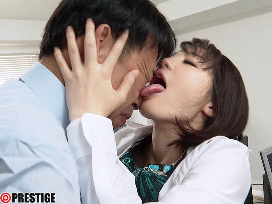 接吻狂い ぐちょぐちょ唾液まみれ3本番 ACT.04 鈴村あいり【MGSだけの特典映像付】 +15分