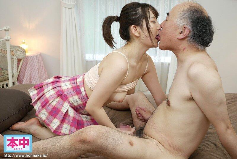 日本一キスが好きな現役女子大生AVデビュー 松下ひな