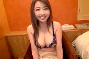 浜松でゲット!美巨乳が素晴らしい素人美女