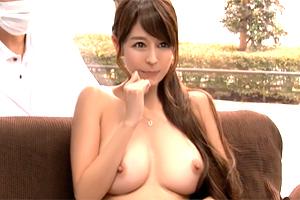 【マジックミラー号】おっぱいのハリが気になるアラサー美人妻を乳首でイカセる!