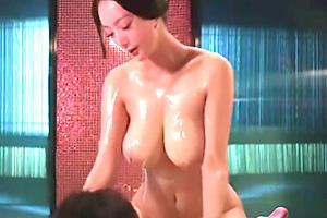なんだこの神乳は…。香港女優が見せた映画のワンシーン