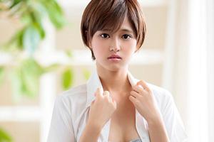 有季なお 経験人数1人!18歳ウブな美少女まさかのAVデビュー!