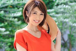 和泉藍 最高プロポーションの元レースクイーンの人妻が初脱ぎAVデビュー!!