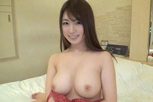 【シロウトTV】彼氏一筋と言いつつ浮気する美爆乳Gカップパイパン美少女(25)とのSEX動画