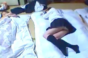 【昏睡レイプ】睡眠薬で眠らせたJKの部屋に忍び込んで・・・