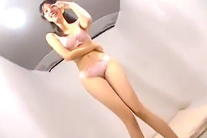 【素人】バレリーナのように脚長でスタイル抜群!