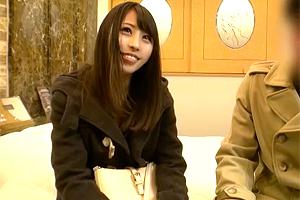 【盗撮】「入っちゃったね…」女子大生とサークル仲間の生々しい中出しSEX!