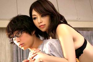 翔田千里 勉強熱心な息子を誘惑して近親相姦SEXに耽る巨乳ママ