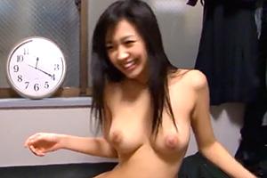 小倉奈々 童貞君がオグナナに60分で3回もイカされる!