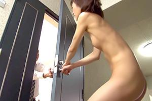 神波多一花「テメェなんか出てけ!」夫婦喧嘩で全裸で締め出される人妻
