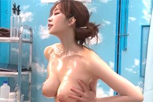 【マジックミラー号】乳腺マッサージでトランス状態に達した巨乳人妻に中出し!