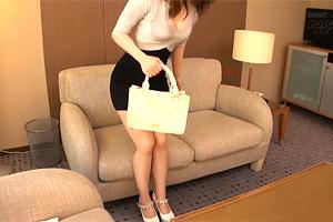 【素人】私服がエロすぎ…。18歳でデキ婚したヤリマン若妻の浮気セックス!