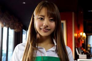 河南実里 手マンですぐイッちゃうカフェバイト女子大生のSEX動画