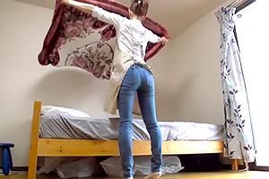 【人妻】いいケツだ。背中からお尻のラインが抜群の家政婦さんをバックから即ハメ!