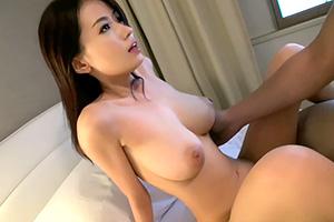 【素人】元モデル、スレンダー巨乳の専業主婦をナンパしてハメ撮り!