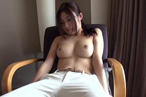 香澄はるか クールビューティーな美少女が手マンでイキまくるハメ撮り動画