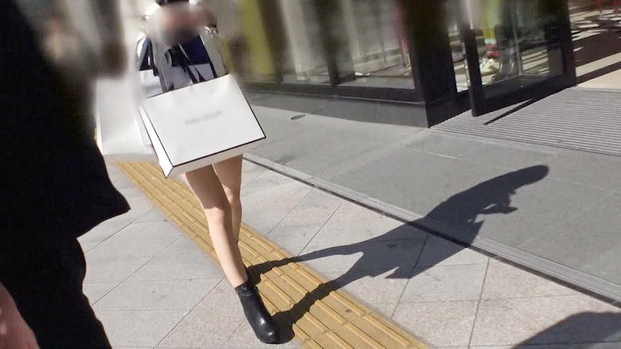 マジ軟派、初撮。 1293 新宿で捕まえたHカップスレンダー美脚人妻の本性は実は…不倫相手を掛け持ちするSEX好きすぎ淫乱ビッチだったwww「時間無いんでもう帰りたいです」なんて言いつつも大胆潮吹き♪突かれて縦横無尽に揺れる巨パイが実にイヤらしい♪