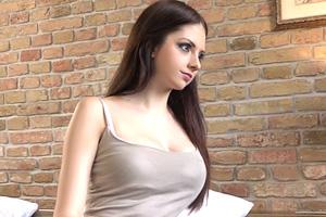 【素人ナンパ】ルーマニアでゲットした18歳の巨乳東欧美少女に中出し!