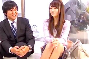 【人妻】「素股ならいっか…」上司の美人妻が若い部下と浮気セックス!