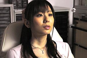 【レイプ】麻美ゆま 催眠術をかけられた人妻が診察台で好き放題される