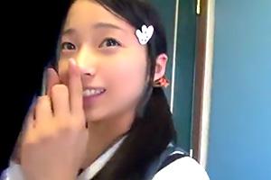 ロリ少女に中出し。膨らみかけの妹と毎日近親相姦をするヤバ動画…