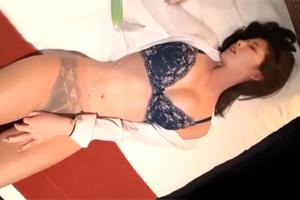 【素人】酔い潰した美人OLをホテルに連れ込むゲス映像。これはアカン…