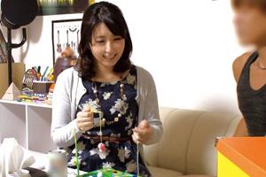 【盗撮】年下イケメンの手マンでエッチを受け入れる熟女人妻のSEX動画