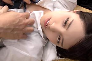 【マジックミラー号】初めての膣内洗浄で赤面する美人JK
