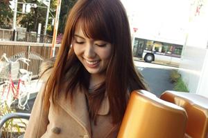 波多野結衣 スケベイス持参で男性のお宅訪問した美女の出張風俗プレイ!
