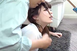 【素人】嫌ッ やめてッ!業者の男が人妻を力でねじ伏せ寝バック中出し!