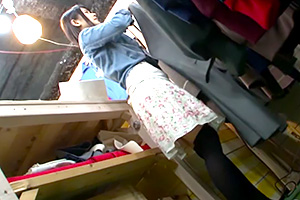 【レイプ】「アイツに決めた」痴漢魔が古着屋店員をバックヤードで犯す!