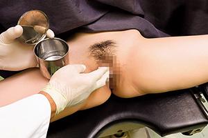 【人妻】卑猥医師が急増中。産婦人科で検診と称してクリトリスを弄る…