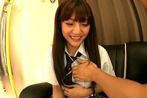 みづなれい JKコスプレのロリ女優が男性宅訪問でHなサービス!