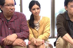 【マジックミラー】近所でも評判のおしどり夫婦の美人妻が人生初3P!