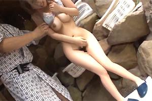 【痴漢】混浴温泉で逃げまわる巨乳美女を追い込みレイプ!