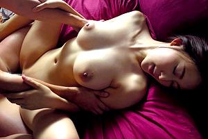 松下紗栄子 向かいの家に住む若者に寝取られてしまう巨乳人妻