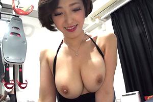 水野朝陽 AV女優に犯されたいM男クンのアパートでデリバリーSEX!