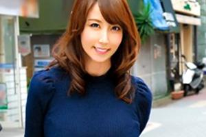 【熟女】澤村レイコ おじさんのテクにどハマりする奥様とお散歩デート