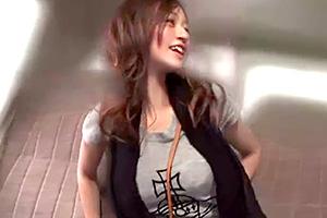 【人妻】マキシワンピでボディラインが丸分かりのエロ〜い若妻をゲット!