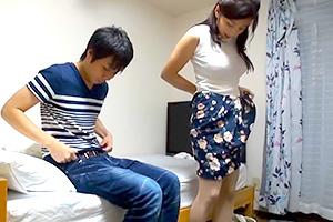 【童貞】街でナンパされた巨乳人妻が大学生のアパートへお悩み相談