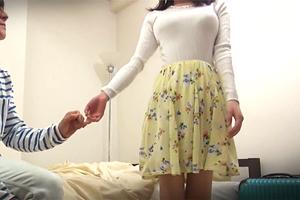 【素人】恋に奥手な初対面の大学生男女はお泊まりでSEXするのか!?