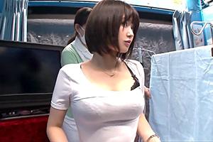 【マジックミラー号】ピチピチTシャツの巨乳アパレル店員にエッチな健康診断