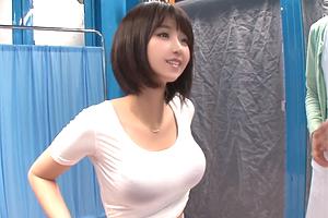 【マジックミラー号】隠れ巨乳のアパレル店員を無料でセクハラ膣内検診!
